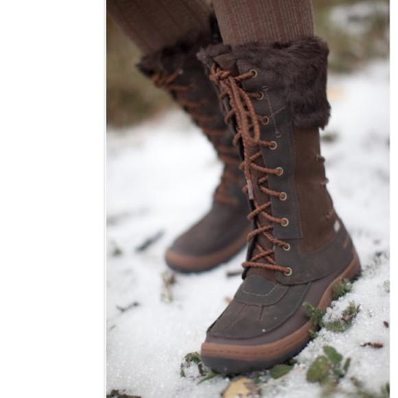 1baa21a54155d6 Merrell Decora Women s Boots. M 5ae77982daa8f6a743676565